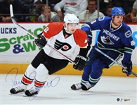 Daniel Briere, Signed 16x20 Unframed White vs Canucks Flyers
